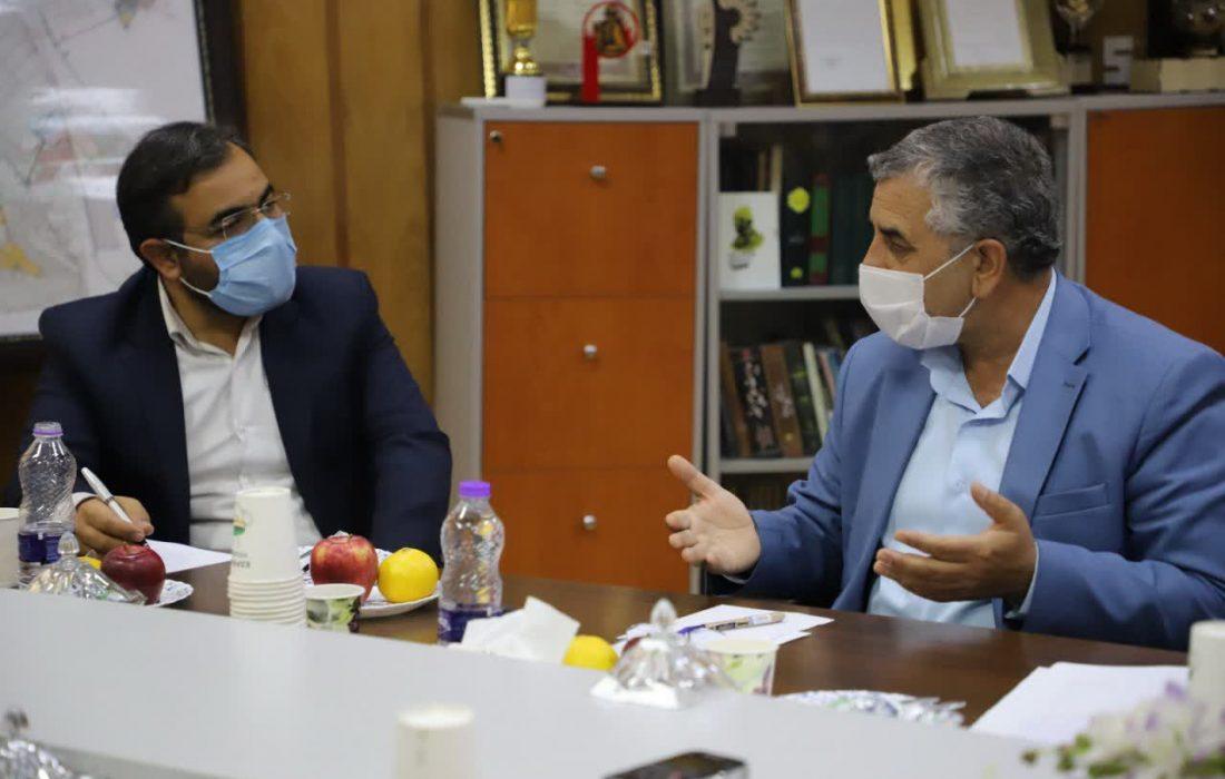 تلاش برای کاهش مشکلات تنها مرکز درمانی دولتی در جنوب غرب اصفهان