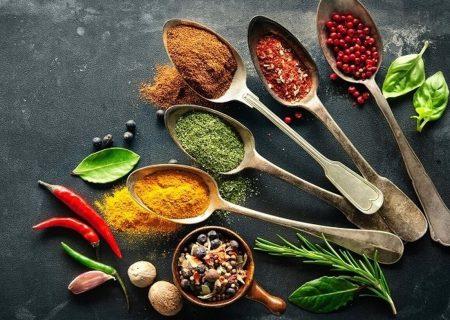 ۷ ادویه لاغر کننده که شما را در رژیمهای غذایی کمک میکند