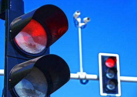 تجهیز چراغ های راهنمایی زرین شهر به سیستم برق اضطراری